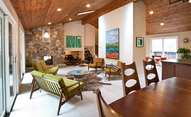 Phòng khách mang phong cách Midcentury hiện đại nhưng vô cùng ấm cúng